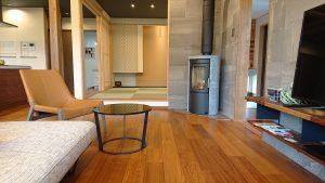 斐川モデルハウスのチーク床材